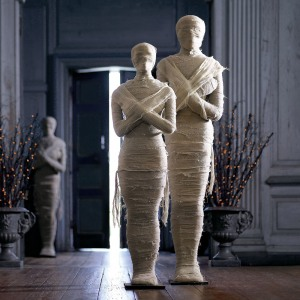 Lifesize mummy representations